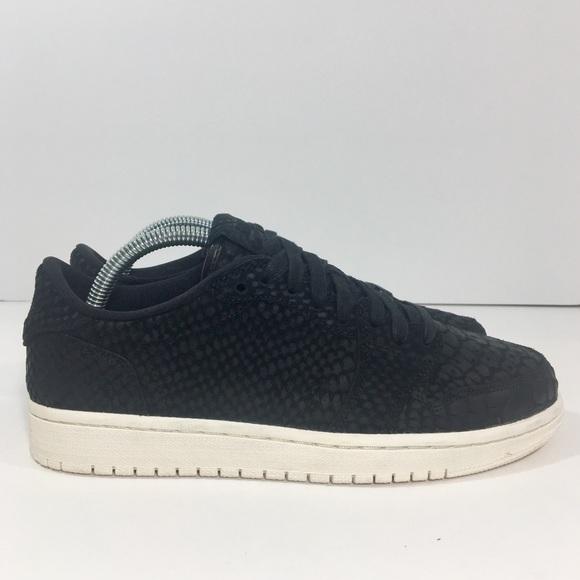 532812f1b54 Women s Nike Air Jordan 1 Low Black Python 8.5 NEW